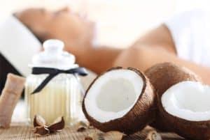 Lợi ích của việc massage bằng dầu dừa